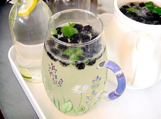 Blackberry Elderflower Spritzer