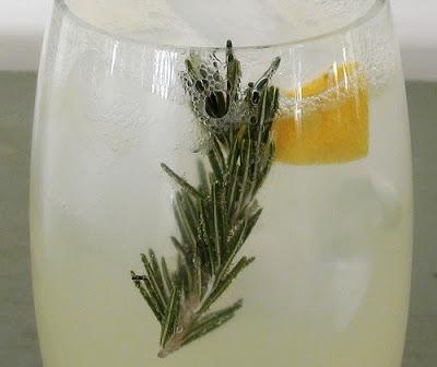 Cucumber Rosemary Lemonade Cocktail